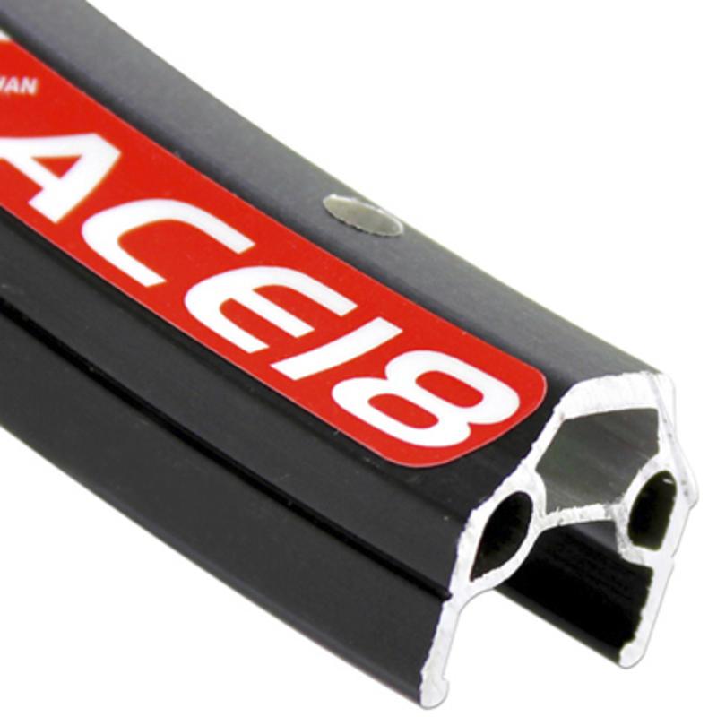Jante Ace-18 à 32 trous de 26 po Argent