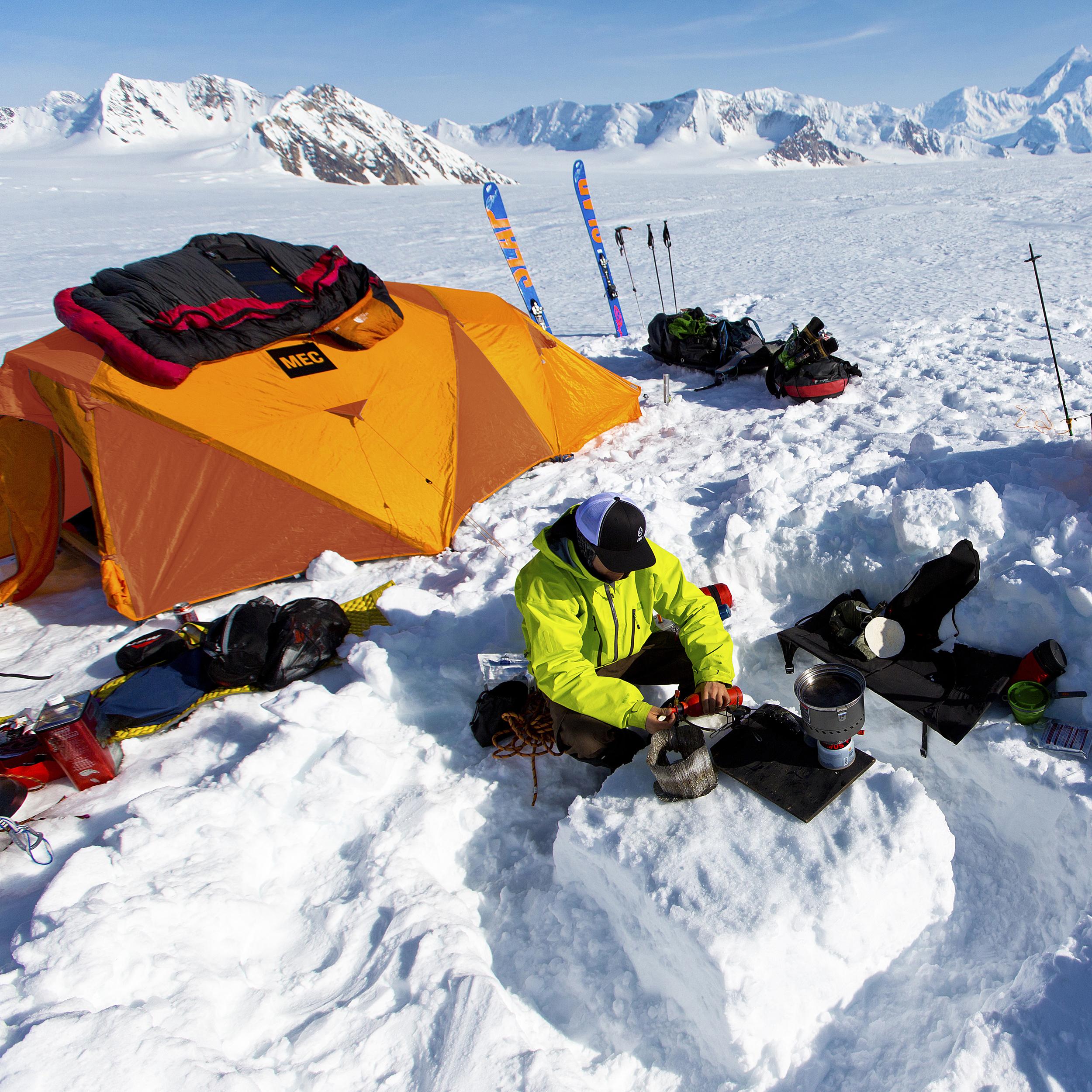 & MEC Nunatak 3 Tent