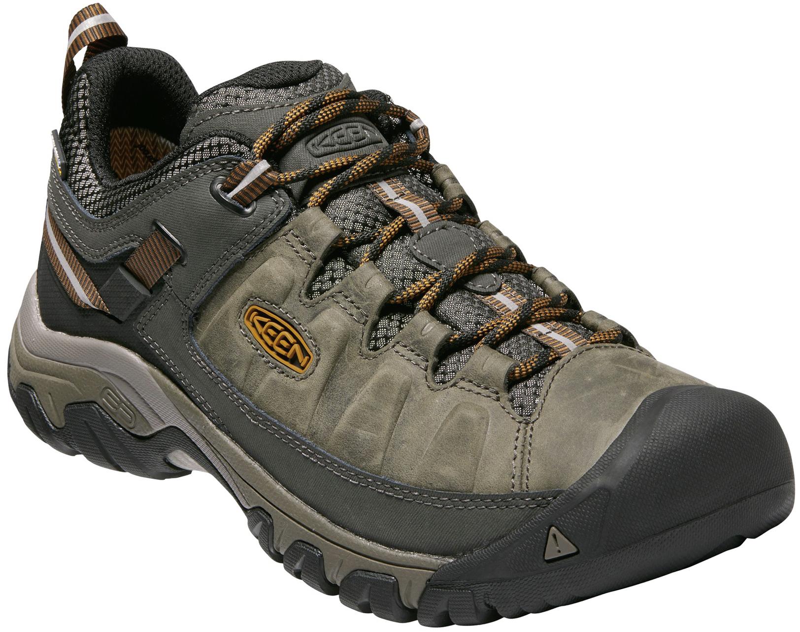 a688b9032902 Shoes