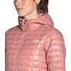 Manteau à capuchon ThermoBall Eco Argile rose